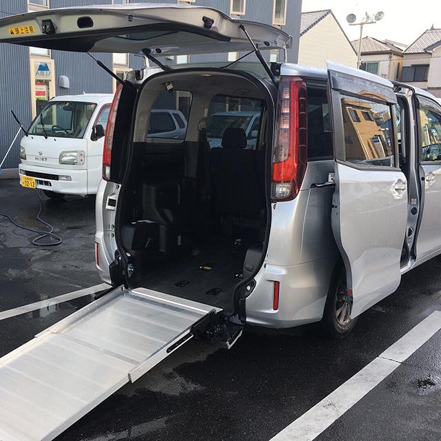 福祉車両レンタカー
